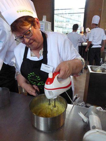 Dominique Briccola, volontaire gastronome, agent d'accompagnement à la Marpa Les clarines de Bellevue, à Pierrefontaine-les-Varans, dans le Doubs. © Anne Pichot de la Marandais/Le Bimsa.