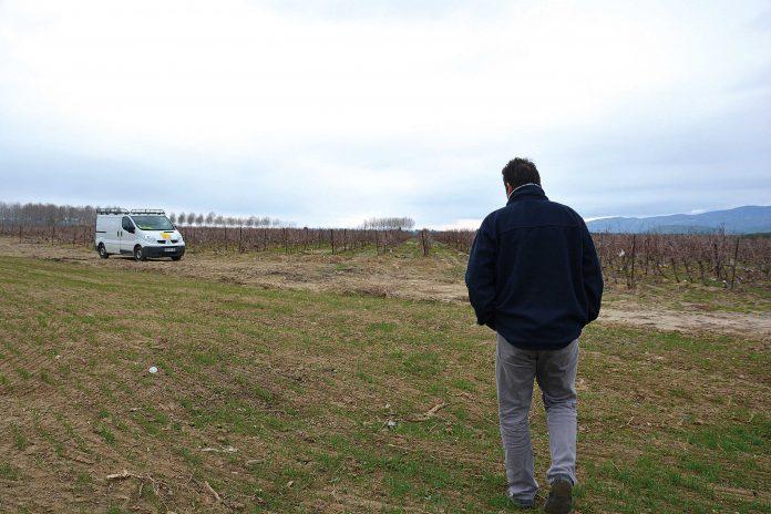 La cave à vin a été épargnée, mais certains stocks ont pris l'eau. Ils attendent le retour des expertises.