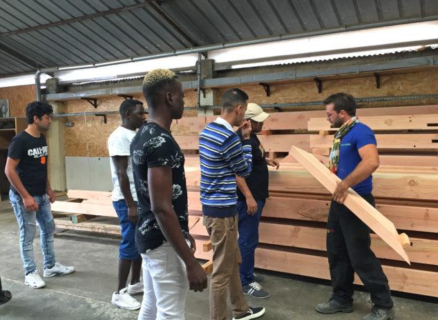 Ils découvrent les métiers du bois...