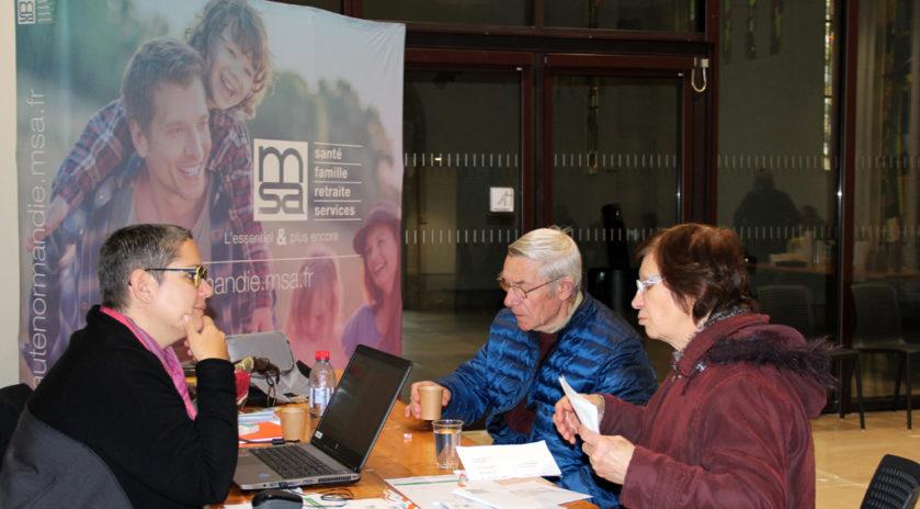 Temps d'information et accompagnement au numérique proposé par la MSA Haute-Normandie dans une maison de services au public (MSAP).