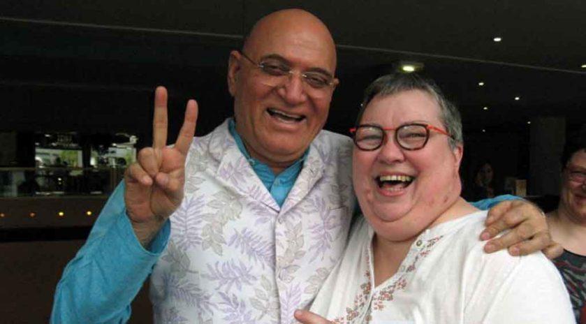 Nathalie Rivière avec le Dr Madan Kataria  au Congrès du yoga du rire en  avril 2018. #LaughterYoga