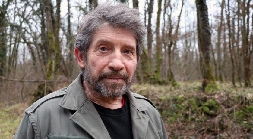 Tempête silencieuse dans les forêts du Grand Est | le bimsa https://lebimsa.msa.fr/?p=18975 Les forêts du Grand Est ont connu une fin d'année 2019 noire avec un nombre d'accidents mortels en forte hausse. En cause, des arbres fragilisés par le réchauffement climatique et des chutes de branches à répétition. Patrick Bangert, bûcheron à la retraite et élu de la MSA Alsace, tire la sonnette d'alarme global warming: silent storm in the forests of France lumberjacks in danger