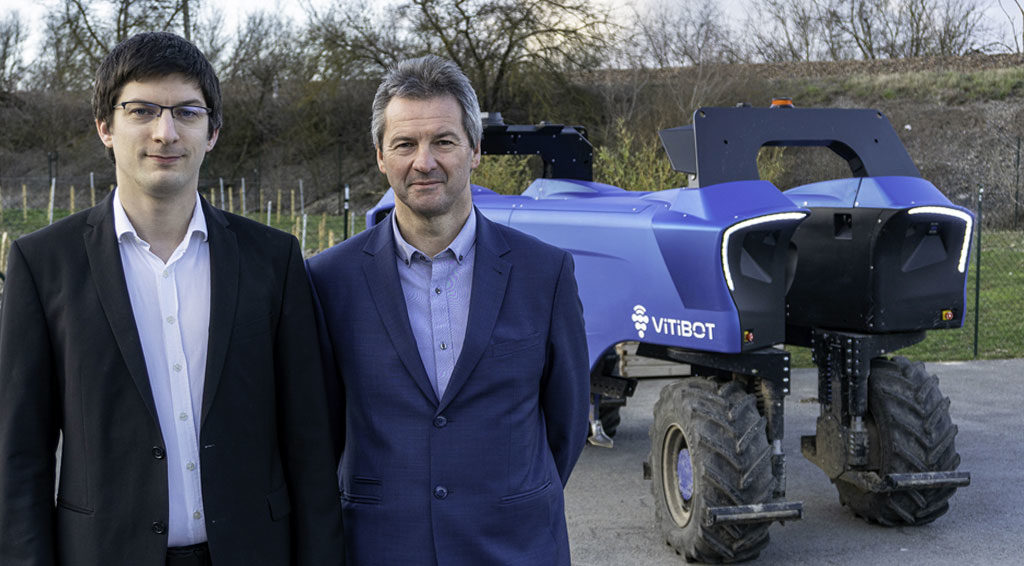 édric Bache, ingénieur robotique et Dominique, vigneron en Champagne.