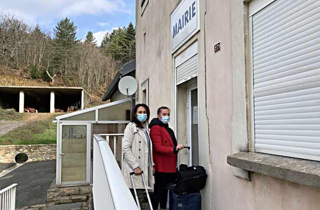 France services Languedoc. une journée avec Faustine et Nora. Arrivée à la première permanence de la semaine à Rieussec, dans l'Hérault