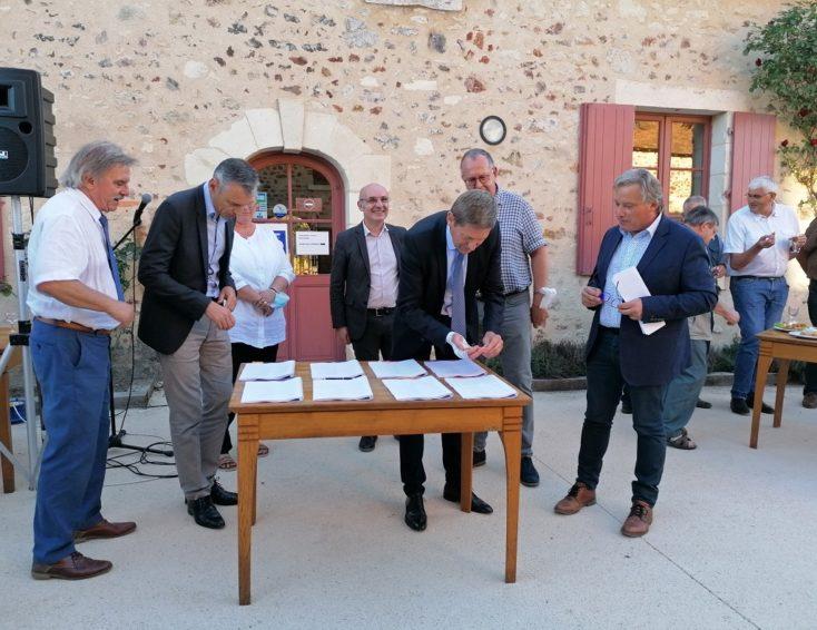 Signature charte familles parc naturel régional Brenne